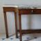 CONSOLE en placage de bois de loupe. Style Restauration - 1 488 €